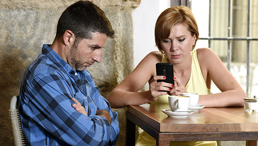 Phubbing [cell phone snubbing] vs. Being Present in Your Relationships